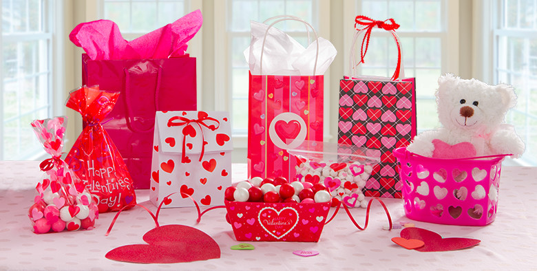 directory-banner-valentines-day-gift-bags-wrap-170116